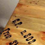 tavolo lato divano in legno e ferro