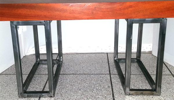 Basi In Ferro Per Tavoli.Tavolino Da Salotto In Mogano Con Base Di Ferro Mod Stonehenge
