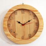 Orologio da parete di legno con vetro