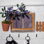 appendi chiavi da parete di legno colorato e decorato (m)