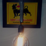 applique con lampadina a filamento edison
