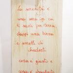cavatappi da parete con scritta (a)