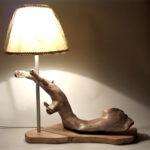 lampada d'atmosfera su legno spiaggiato